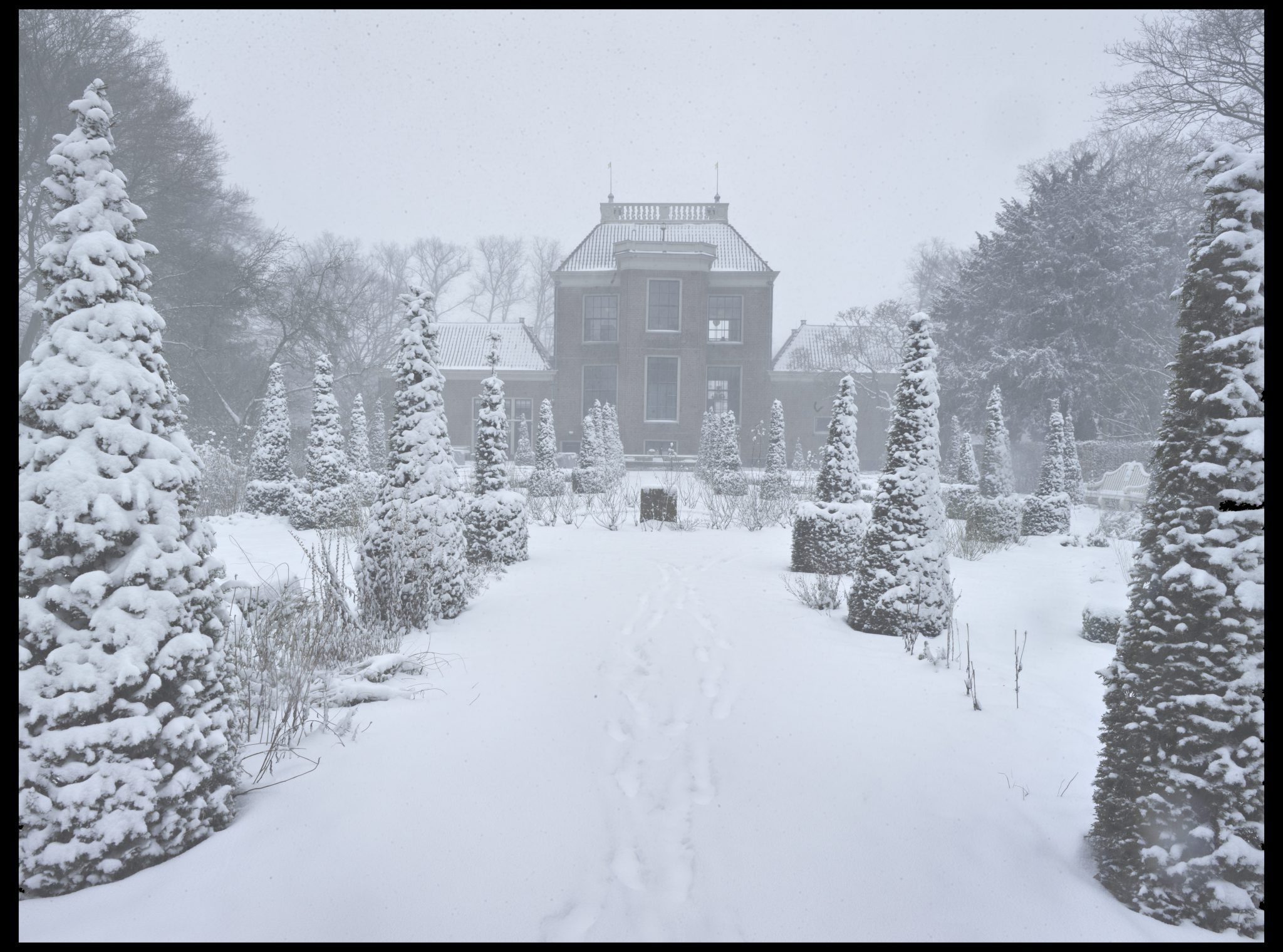 Huize Frankendael in de winter