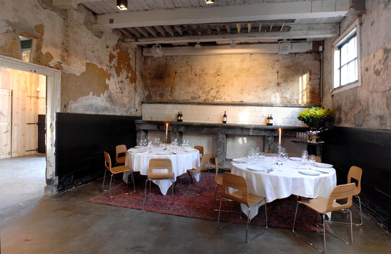 Koetshuis diner ronde tafels