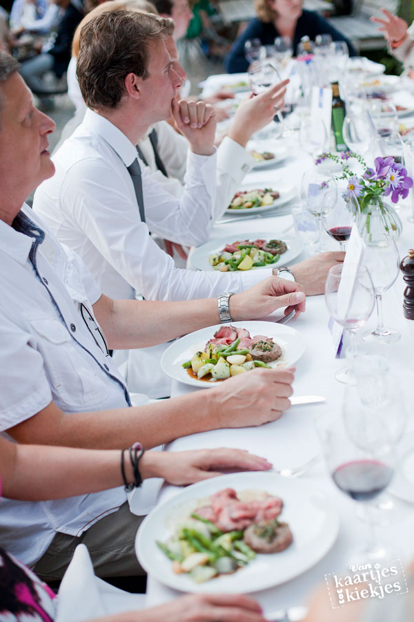 Buiten diner door restaurant Merkelbach